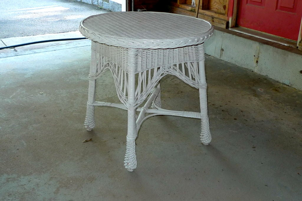 Antique Wicker Round Table For Sale 1