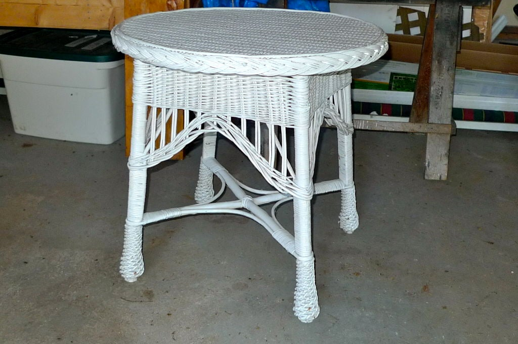 Antique Wicker Round Table For Sale 2