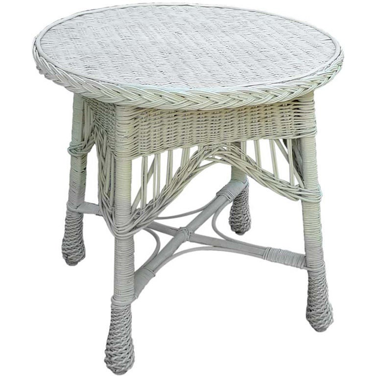Antique Wicker Round Table 1