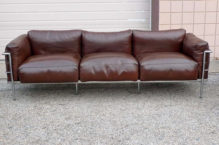 After a model by Le Corbusier, Sofa Pair of Lounge Chairs, circa 1980 5