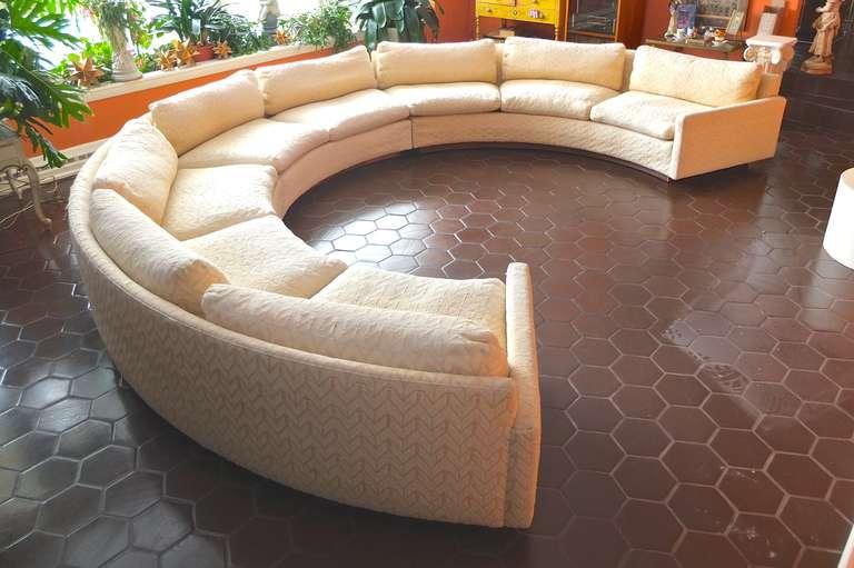 Bon Mid Century Modern Milo Baughman For Thayer Coggin Circular Sectional Sofa  For Sale