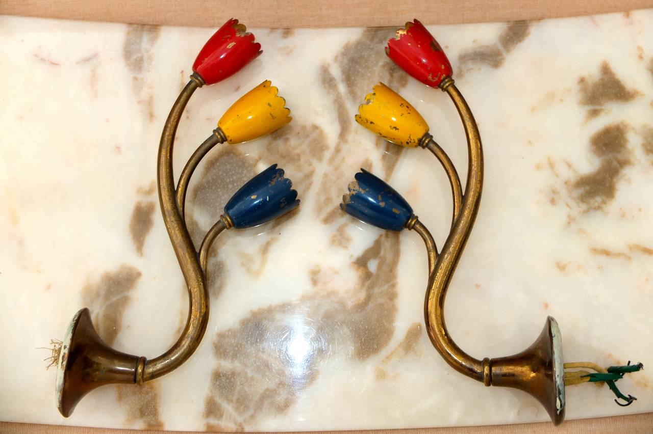 Two Pair of 1950s Italian Brass Sconces in Foliate Form For Sale 1