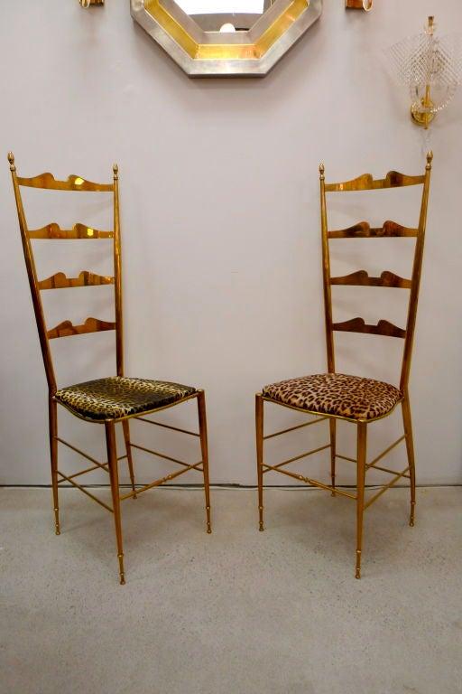 Italian Pair of Brass Chiavari Ladder Back Chairs For Sale