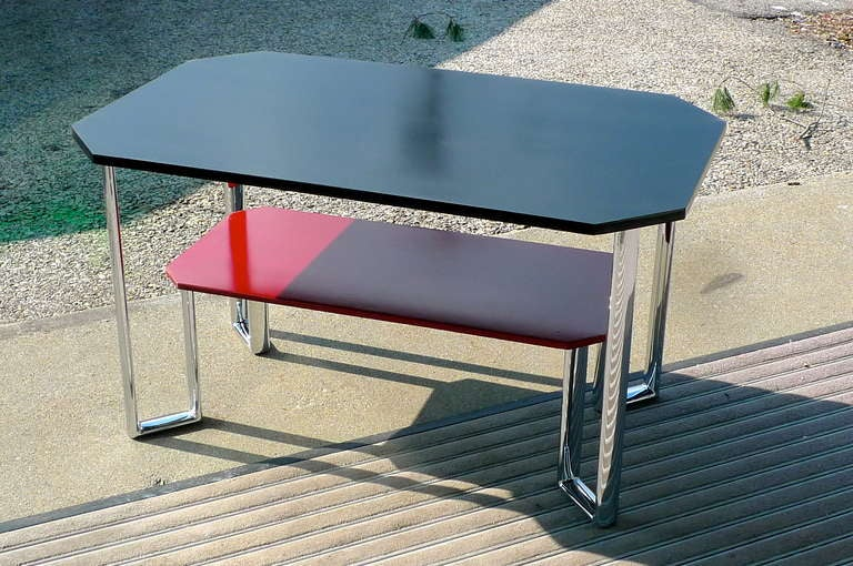 Two-tier rectangular table (22