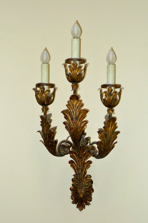 Romantic Palazzo Scale Italian Tole Sconces With Acanthus Leaves For Sale