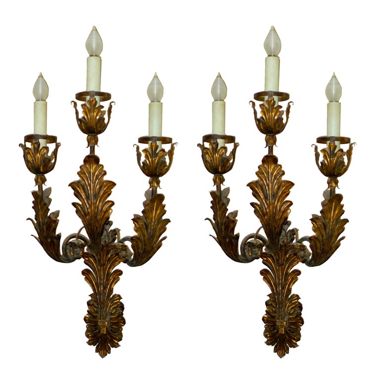 Palazzo Scale Italian Tole Sconces With Acanthus Leaves For Sale