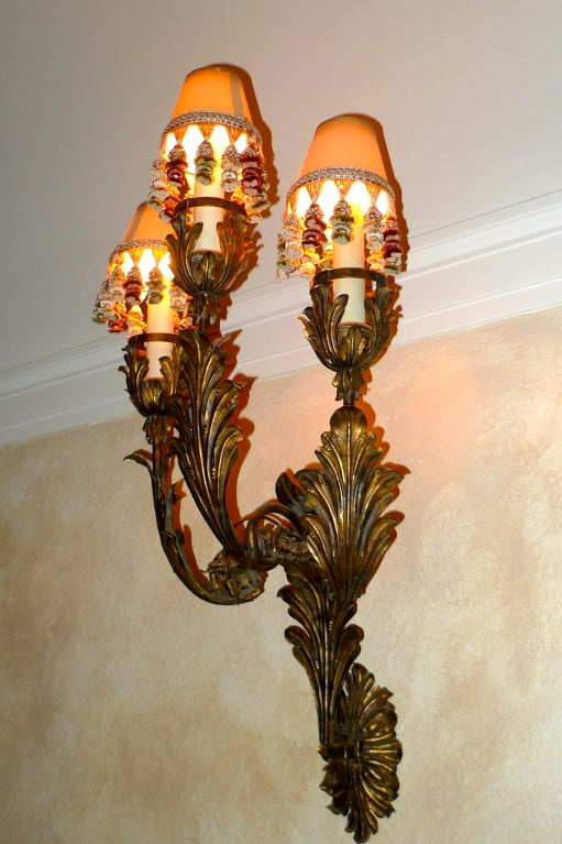 Palazzo Scale Italian Tole Sconces With Acanthus Leaves For Sale 3