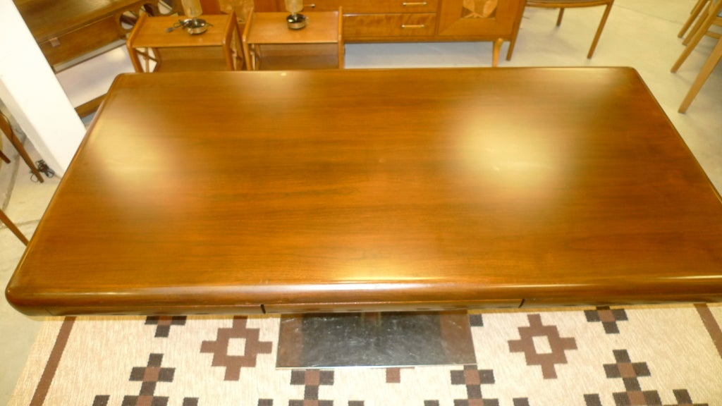 Warren Platner Style Executive Pedestal Desk by Gianni In Good Condition In Hingham, MA