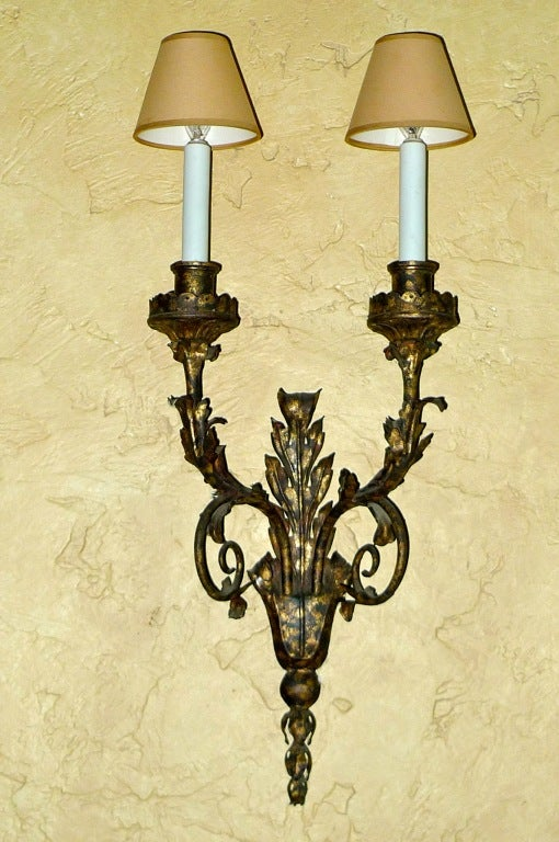 Set of Eight Italian Gilt Metal Double Branch Sconces For Sale 4