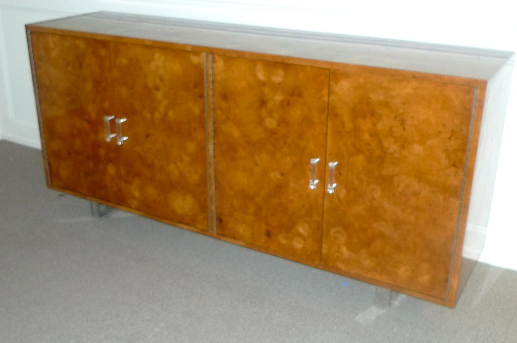 Exotic Burl Wood Sideboard with Chrome Legs & Lucite Handles For Sale 2