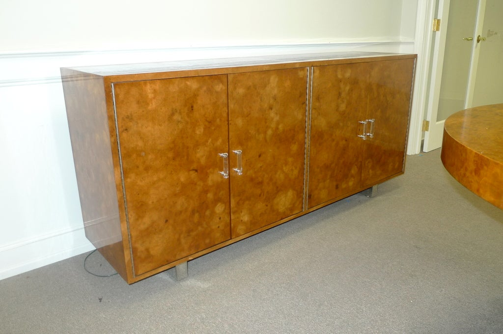 Exotic Burl Wood Sideboard with Chrome Legs & Lucite Handles For Sale 4