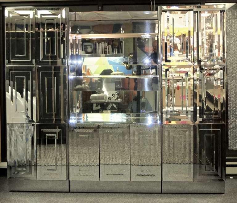 Awesome Mid Century Modern Ello Mirrored U0026 Illuminated Display Cabinet U0026 Bar ...