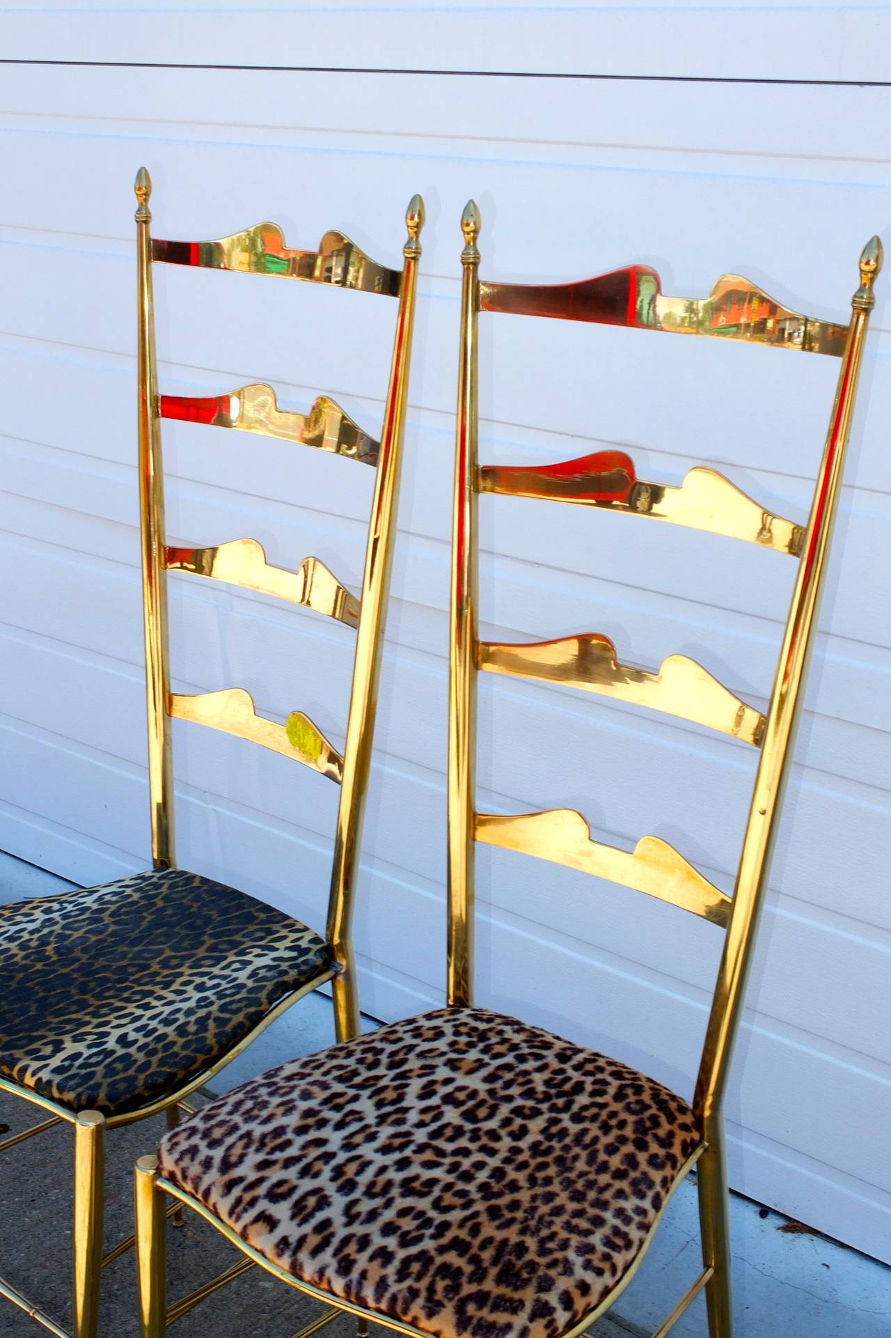 Pair of Brass Chiavari Ladder Back Chairs For Sale 4