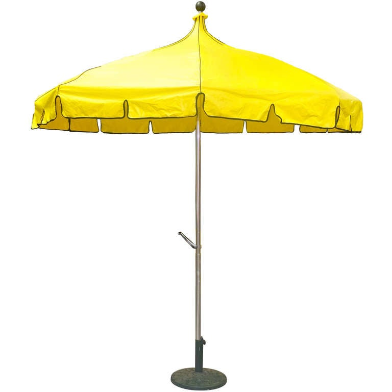 Vintage Pagoda Umbrella For Sale 4