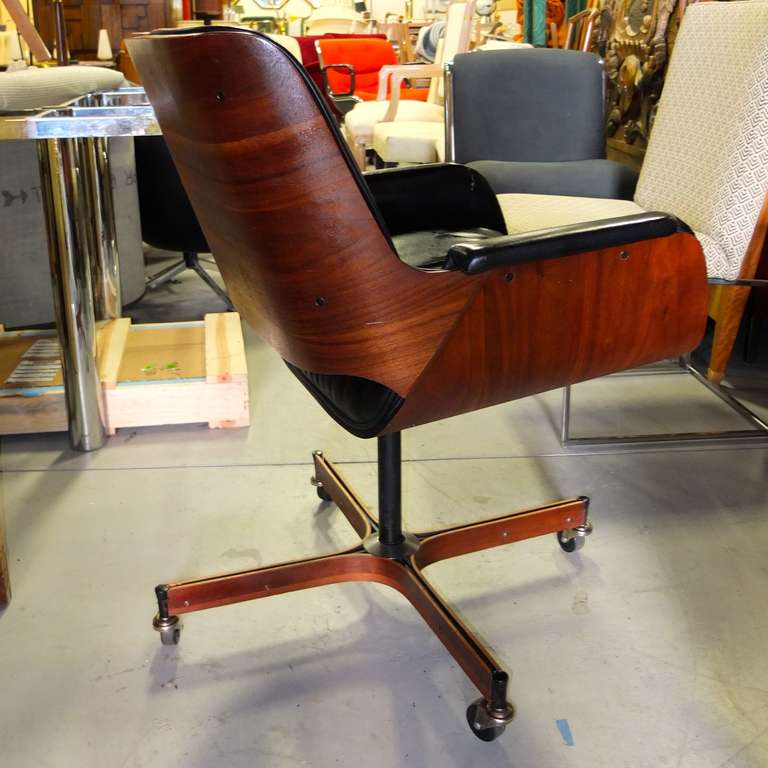 Executive Desk Chair By George Mulhauser For Plycraft At
