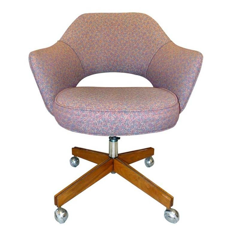 saarinen executive chair for knoll at 1stdibs