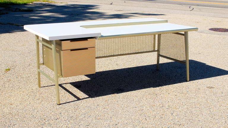 """Italic Styling"" Executive Desk from Gordon Bunshaft Building 2"