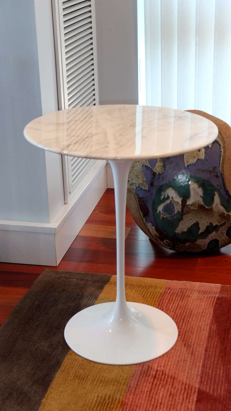 Saarinen Tulip Side Table With Marble Top By Knoll At 1stdibs