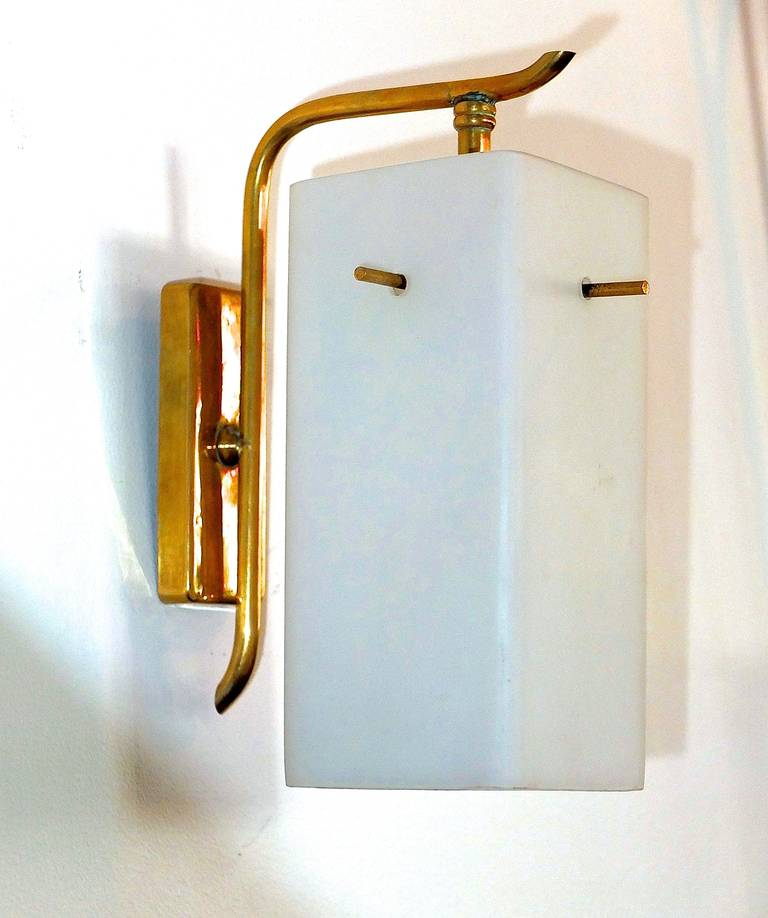 Italian Pair of 1950s Brass Sconces with Box Shaped White Glass Shades For Sale