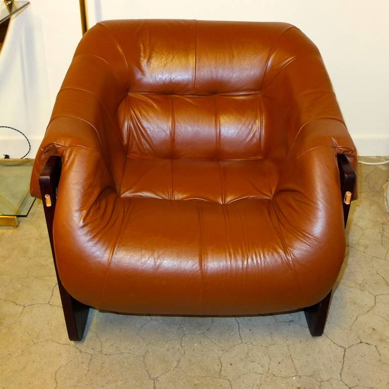 Gentil Lounge Chair By Percival Lafer In Jatobah And Leather In Excellent  Condition For Sale In Hingham