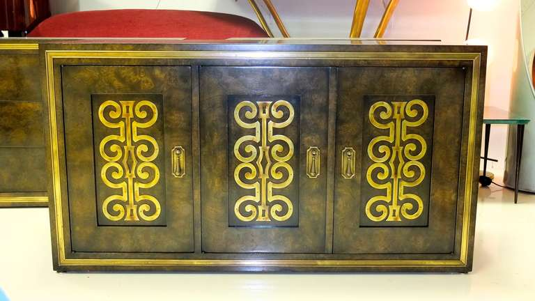 Mastercraft Credenza in Brass Decorated Carpathian Elm In Excellent Condition For Sale In Hingham, MA