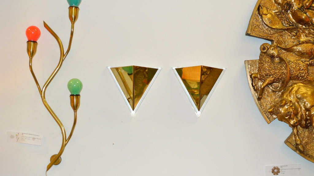 Pair of Lucite & Brass Pyramidal Wall Sconces For Sale 2
