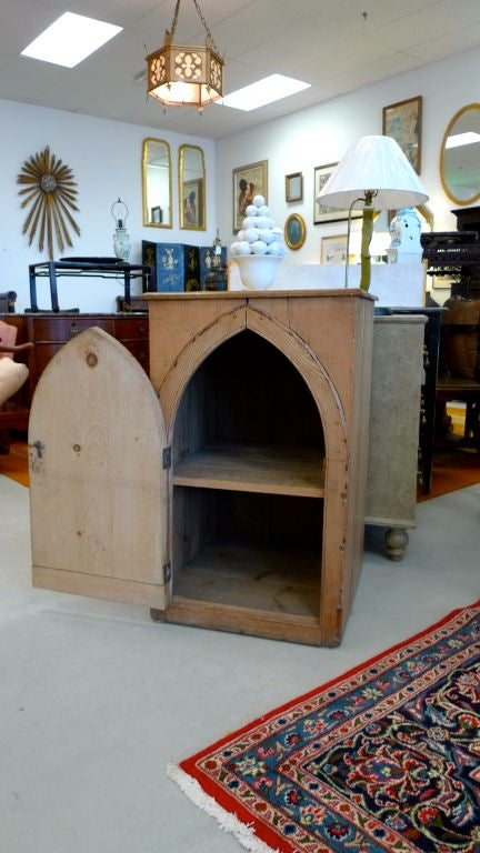 Gothic Cabinet in Knotted Pine For Sale 4