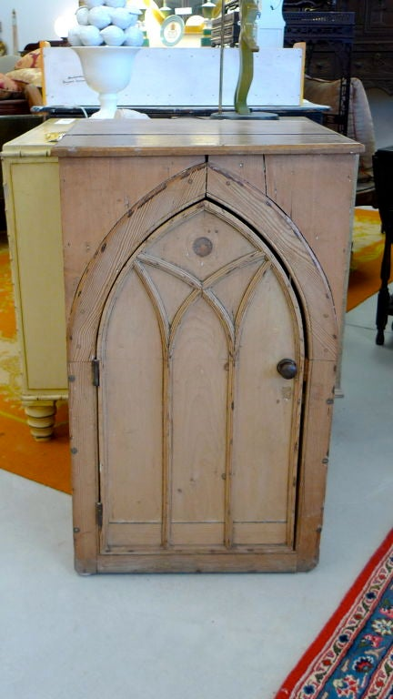 Gothic Cabinet in Knotted Pine For Sale 5