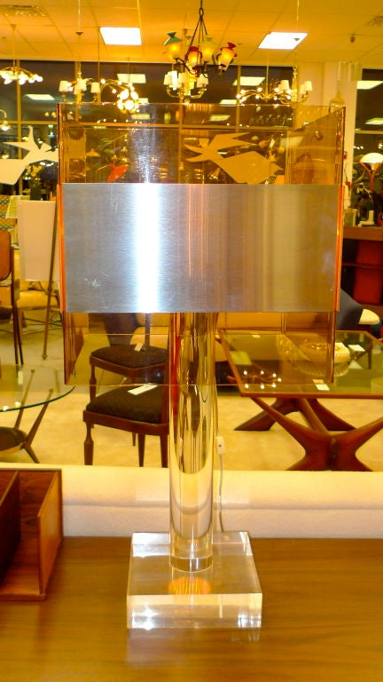 French 1970's Lucite Table Lamp For Sale 1