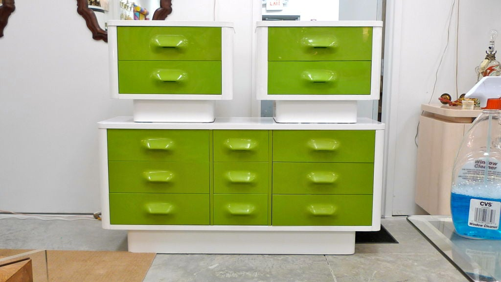 1970 S Mod Pop Dresser And Night Stands At 1stdibs
