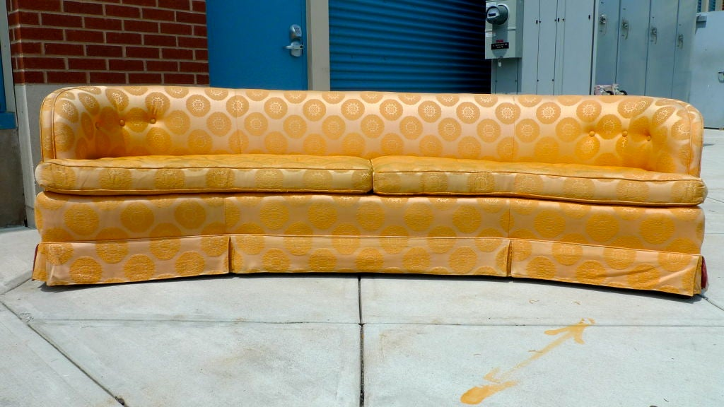 Late 1960 S Curved Sofa By Henredon At 1stdibs