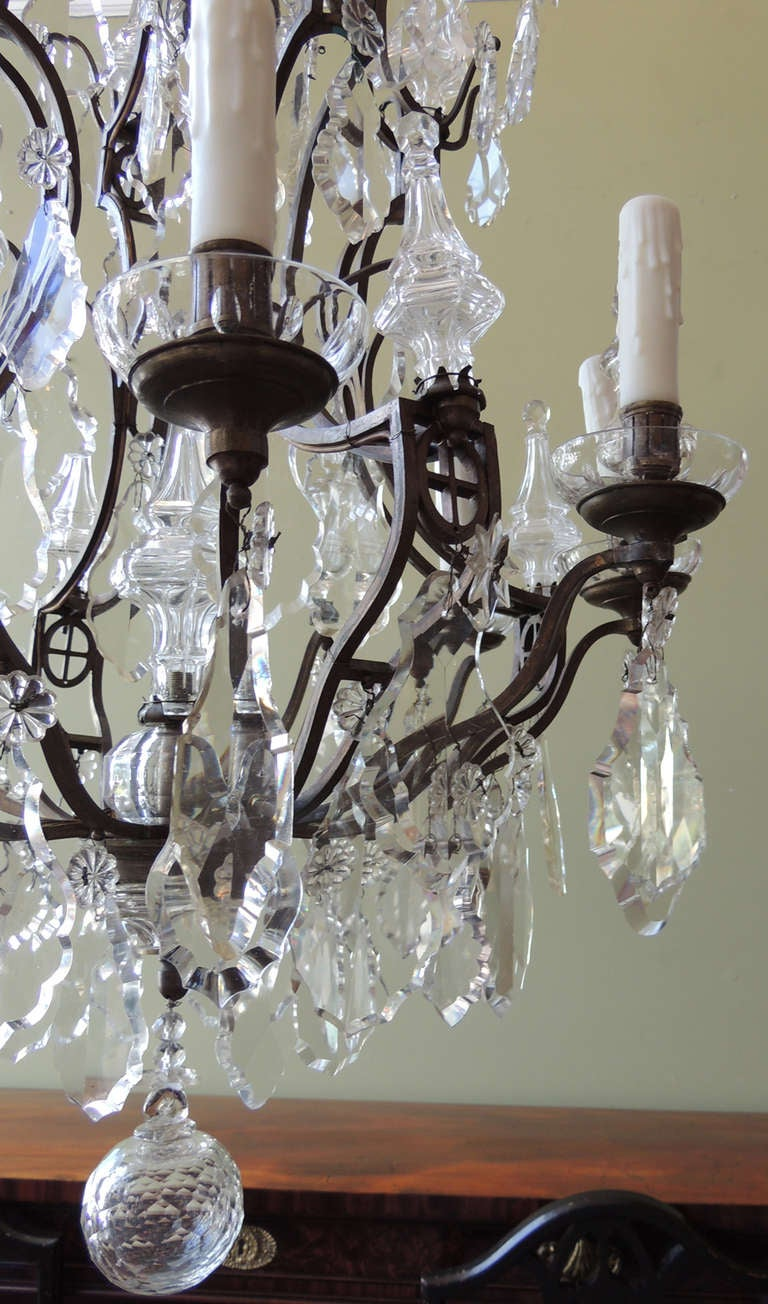 Louis XV Early 20th Century French Crystal and Bronze Chandelier For Sale
