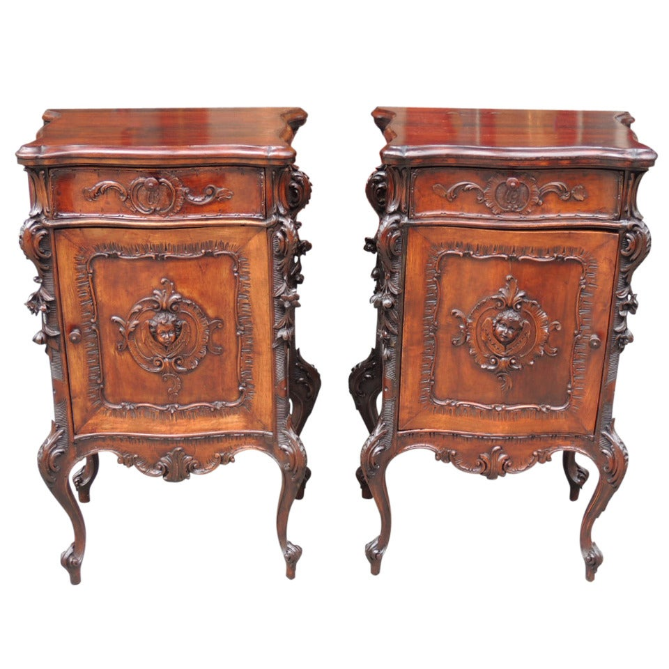 pair of 19th c italian baroque walnut commodes at 1stdibs. Black Bedroom Furniture Sets. Home Design Ideas