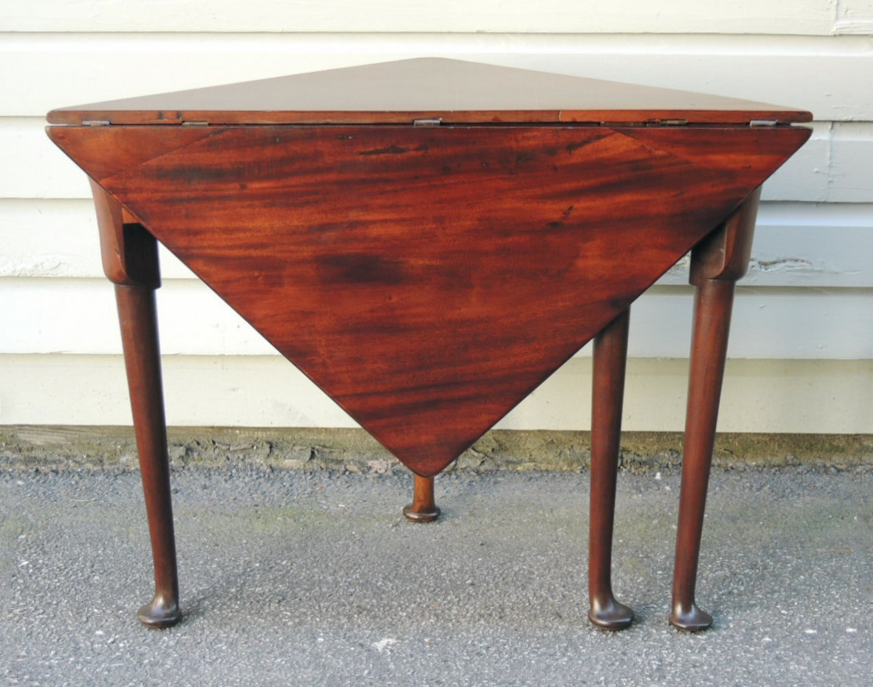 18th Century 18th C English Mahogany Queen Anne Handkerchief Table For Sale