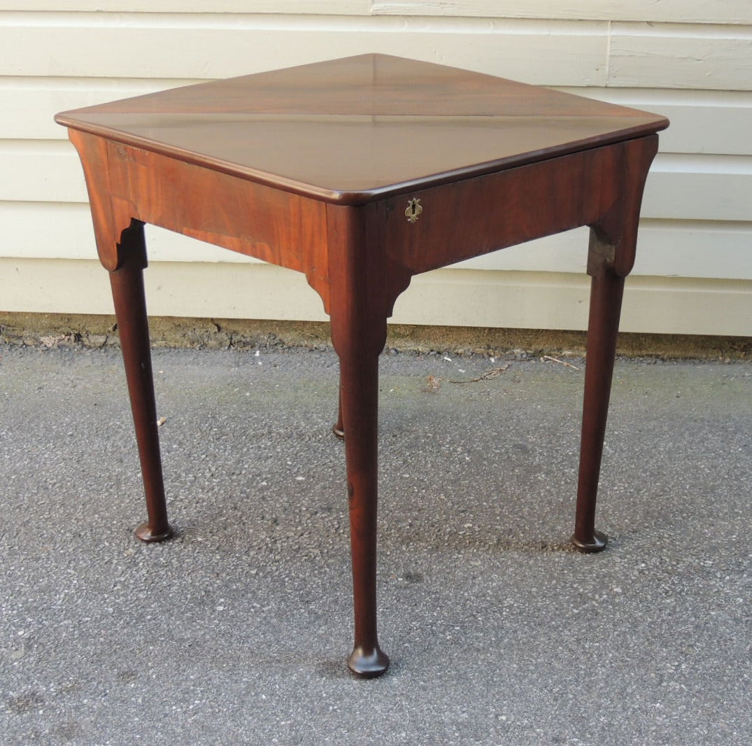 18th C English Mahogany Queen Anne Handkerchief Table For Sale 5