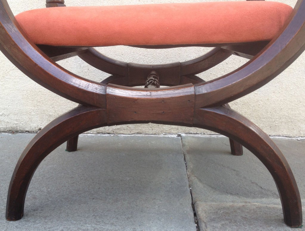 Early 19th Century Italian Curule Walnut Bench or Stool with Rose Upholstery For Sale 3