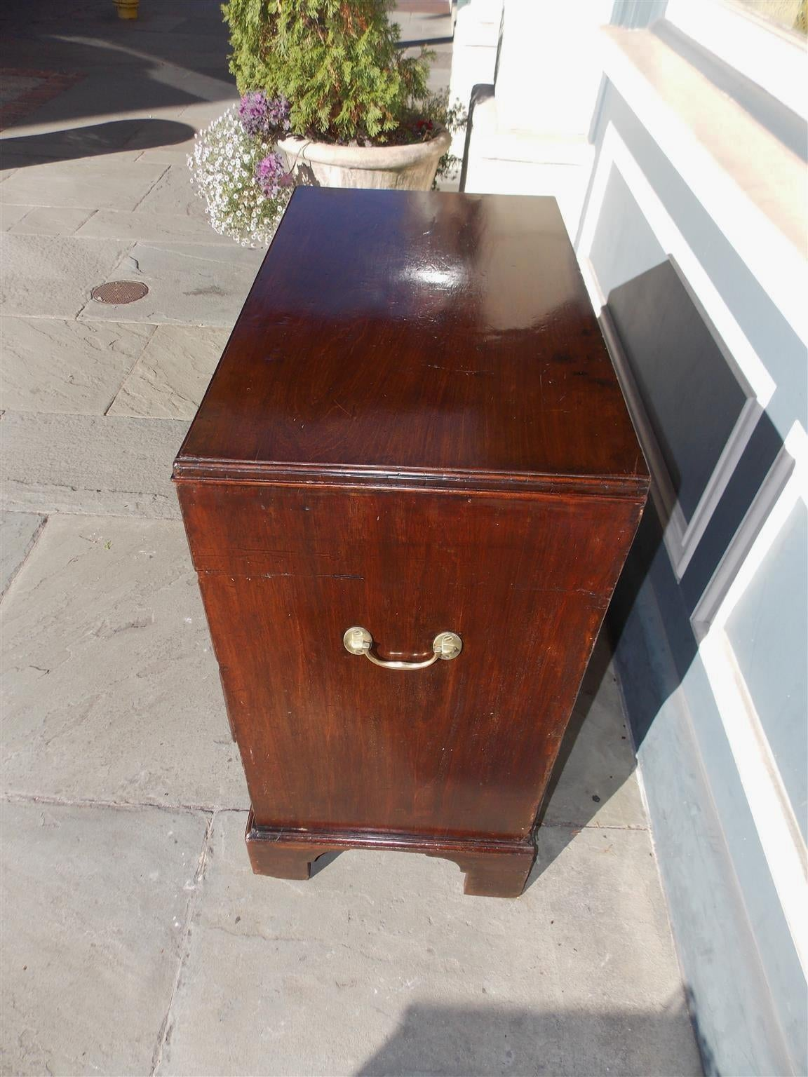 English Chippendale Mahogany Bachelors Chest, Circa 1760 For Sale 1