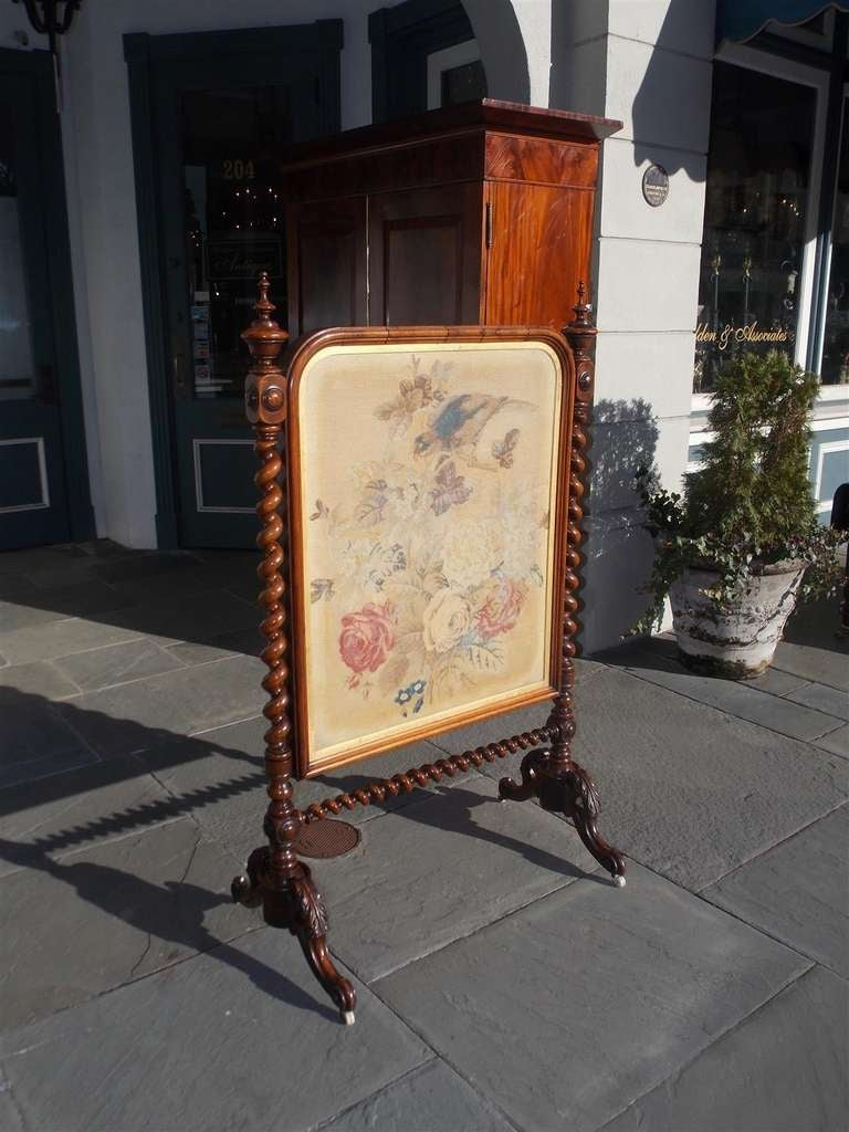 English Kings Wood Needlepoint Fire Screen. Circa 1840 In Excellent Condition For Sale In Charleston, SC