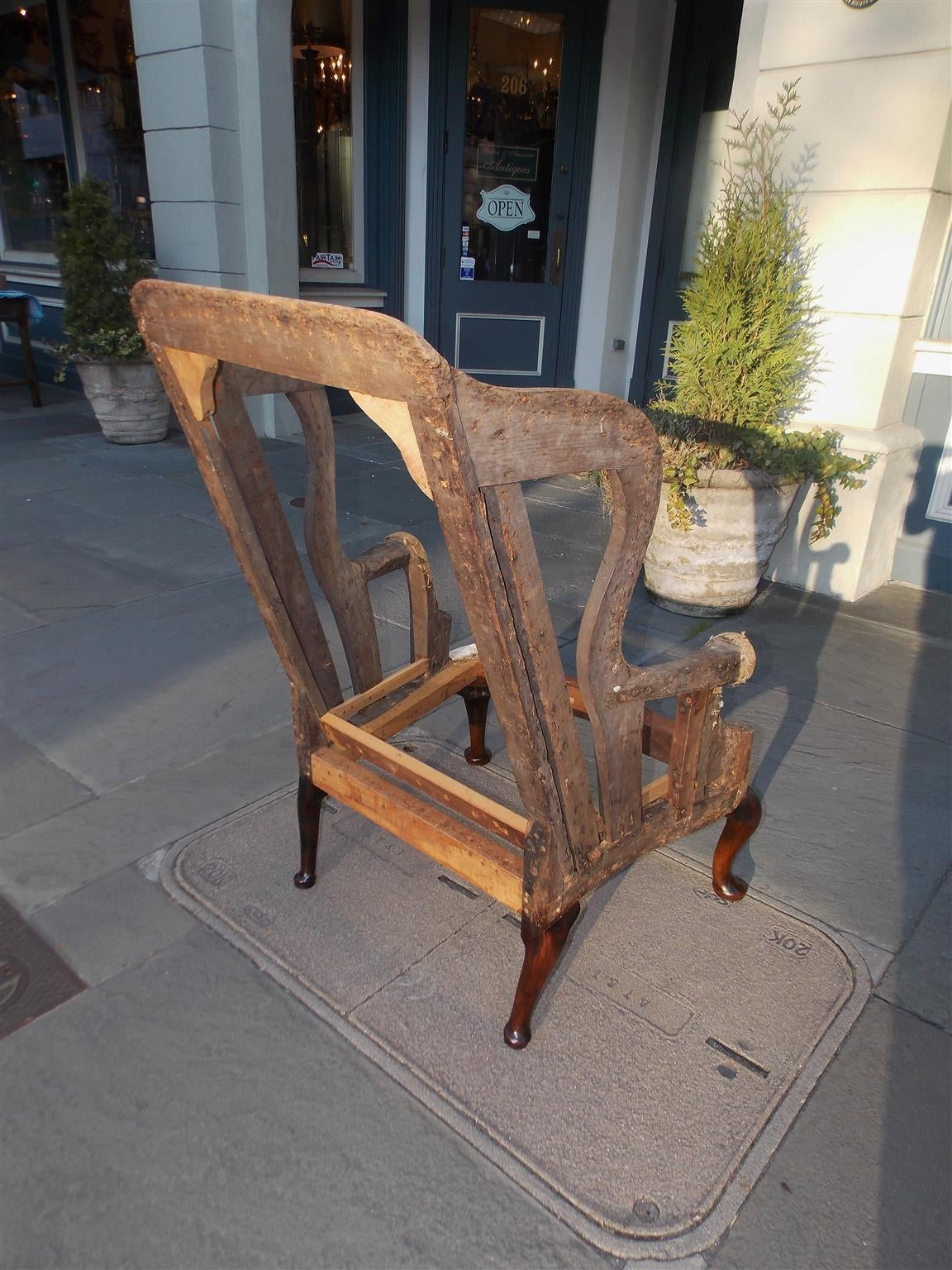 Mid-18th Century English Queen Anne Mahogany Wing Back Chair, Circa 1740  For Sale - English Queen Anne Mahogany Wing Back Chair, Circa 1740 At 1stdibs