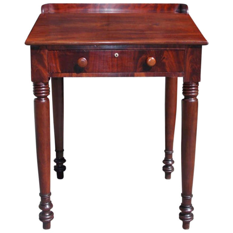American Sheraton Mahogany Plantation Desk. Circa 1820 1 - American Sheraton Mahogany Plantation Desk. Circa 1820 For Sale At