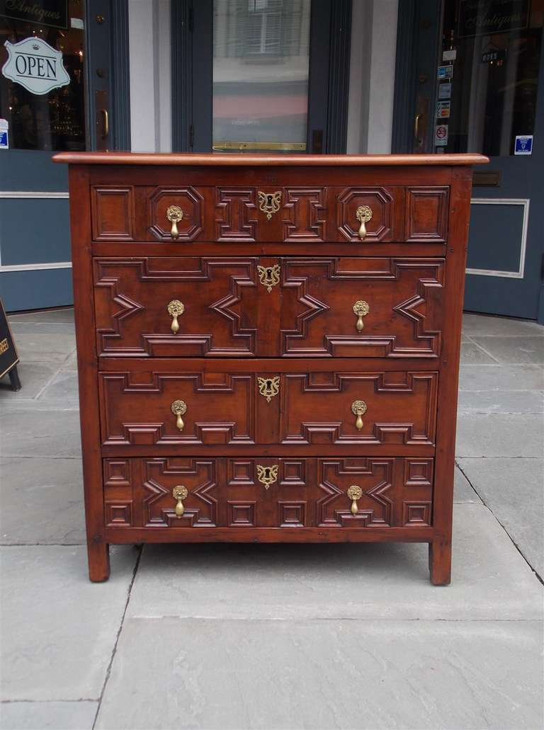 English Diminutive Red Cedar Chest of Drawers, Circa 1700 In Excellent Condition For Sale In Charleston, SC