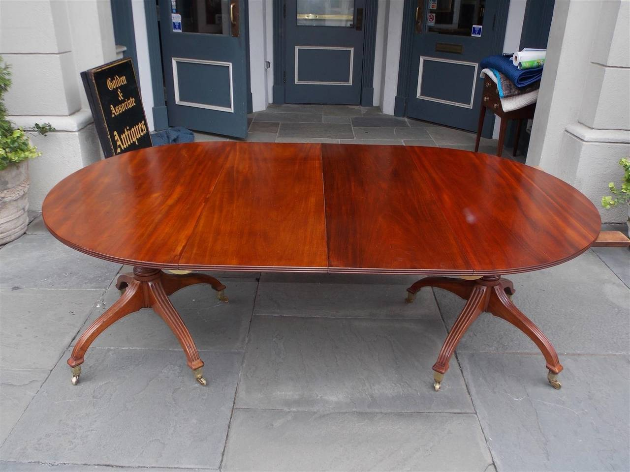 Early 19th Century English Mahogany Double Pedestal Dining Table, Circa 1800 For Sale