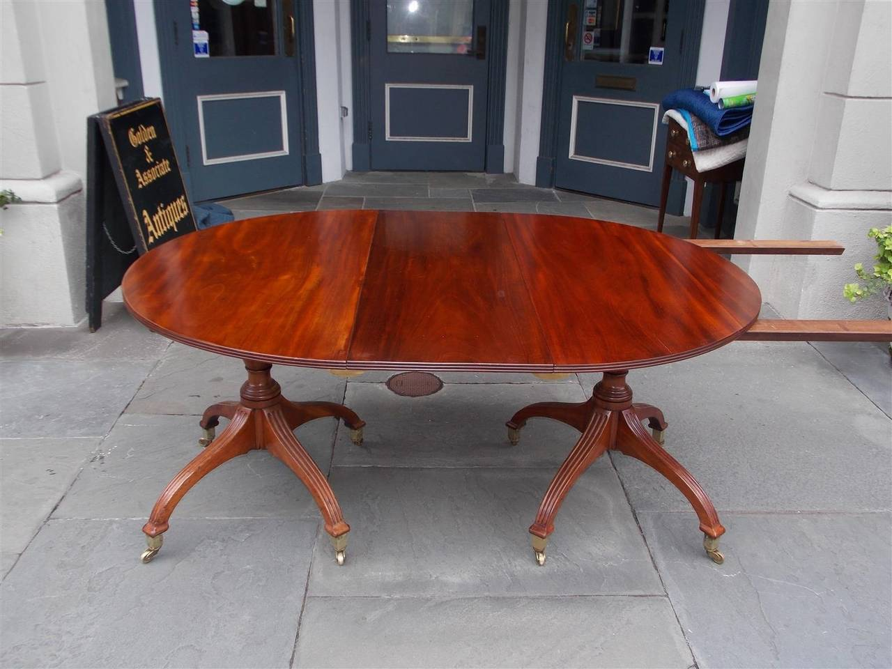 English Mahogany Double Pedestal Dining Table, Circa 1800 For Sale 1