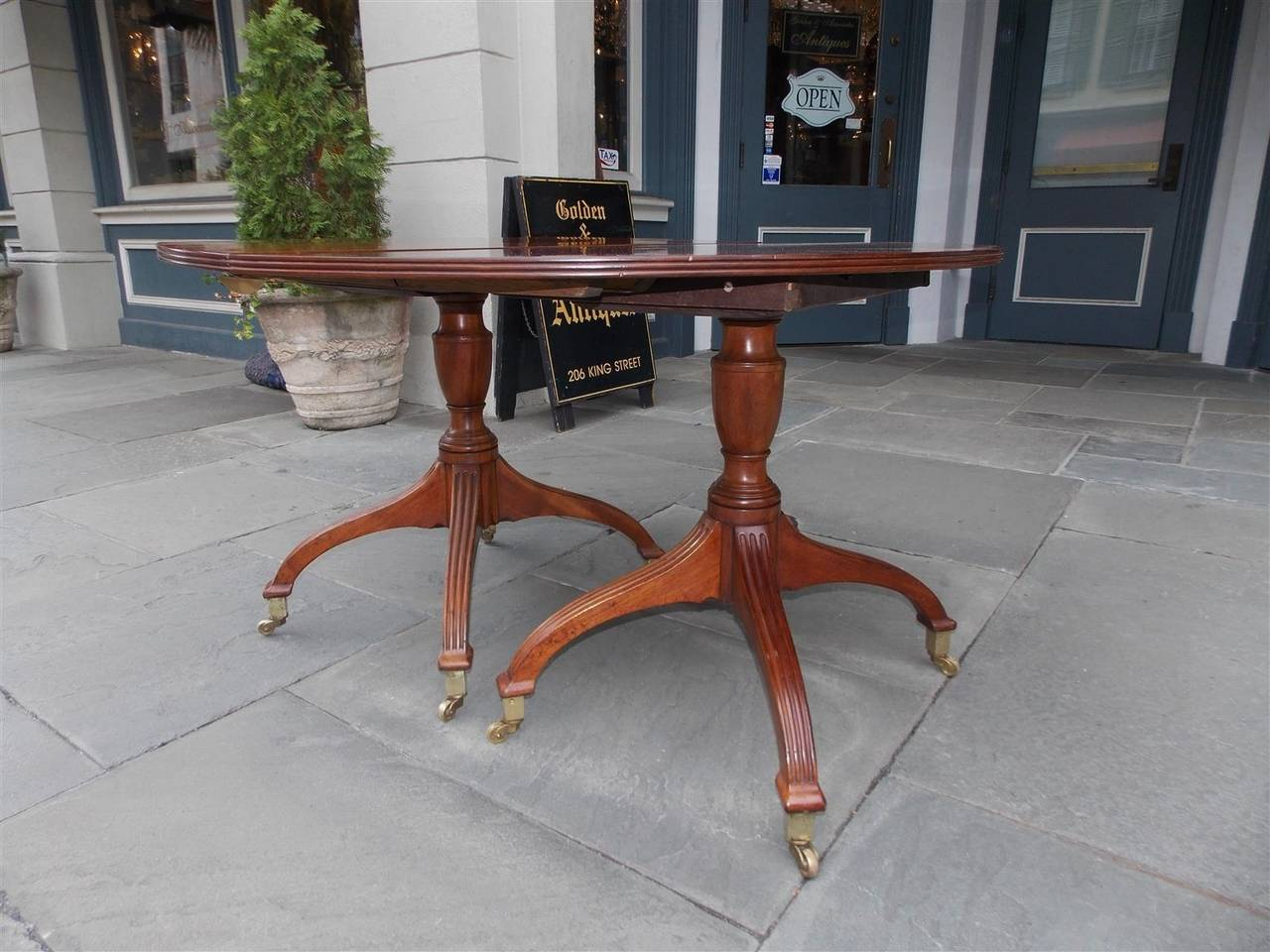 English Mahogany Double Pedestal Dining Table, Circa 1800 For Sale 3