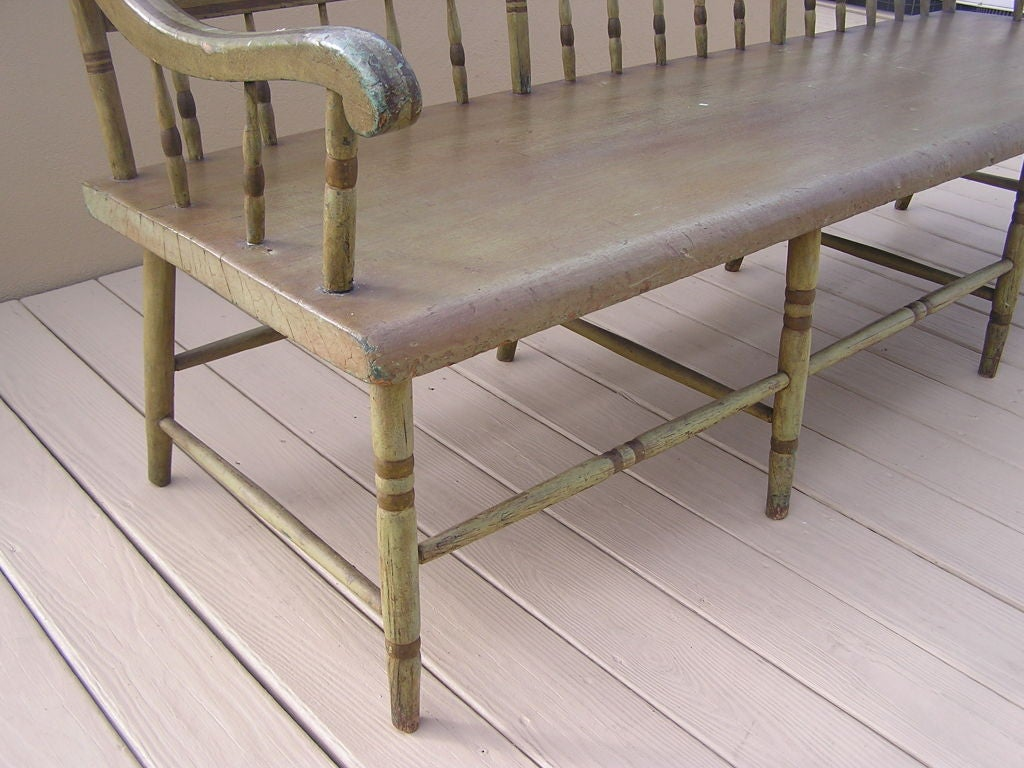 American Fancy Painted Grape Vine Spindle Bench . Baltimore , Circa 1820 For Sale 1