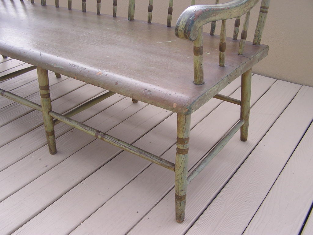 American Fancy Painted Grape Vine Spindle Bench . Baltimore , Circa 1820 For Sale 2