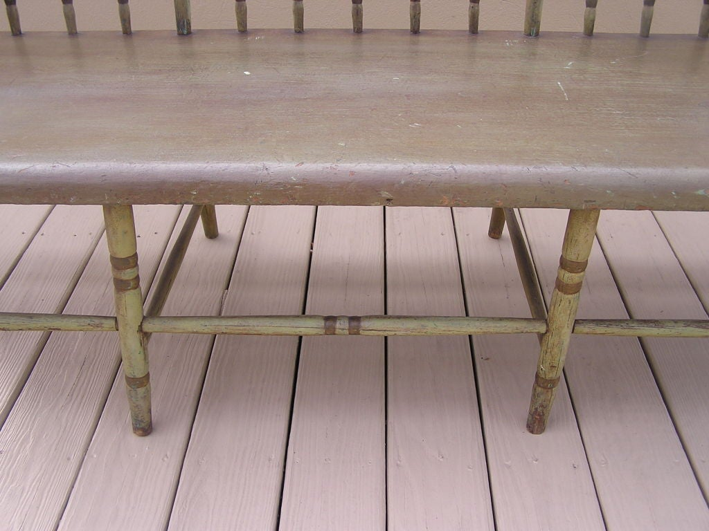 American Fancy Painted Grape Vine Spindle Bench . Baltimore , Circa 1820 For Sale 3