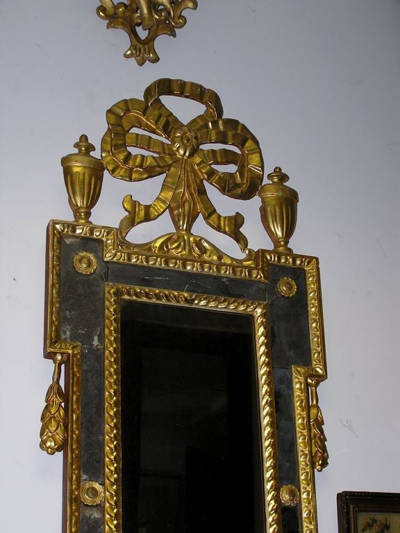 Pair of Italian Gilt Carved Floral Wall Mirrors. Circa 1780 In Excellent Condition For Sale In Charleston, SC