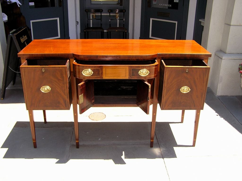 Charleston Classical Hepplewhite Mahogany & Satinwood Inlaid Sideboard. C. 1790 In Excellent Condition For Sale In Charleston, SC