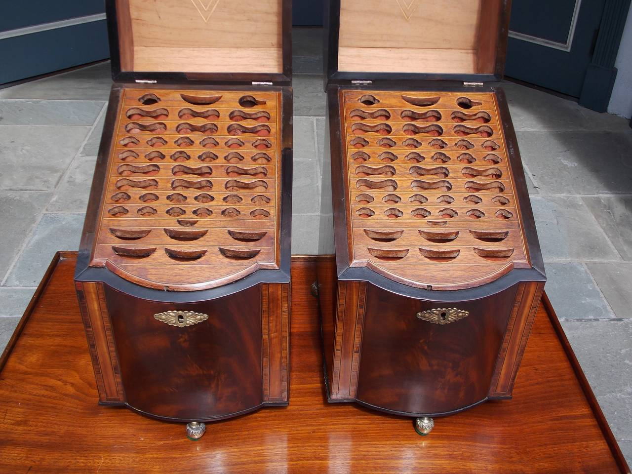 Pair of American Mahogany Inlaid Cutlery Boxes Charleston, SC, Circa 1790 For Sale 3